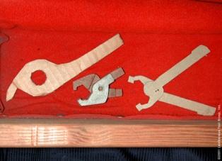 Картонный макет инструмента Лезерман