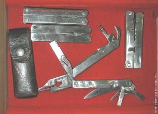 Прототип инструмента Лезерман с чехлом