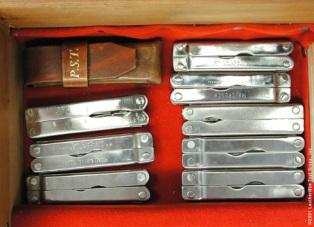 Несколько инструментов Лезерман